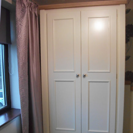 2 Door Wardrobe in Bone White
