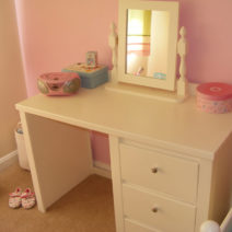 Kids Desk in Bone White