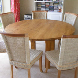 Round Pine Table & Seagrass Chairs