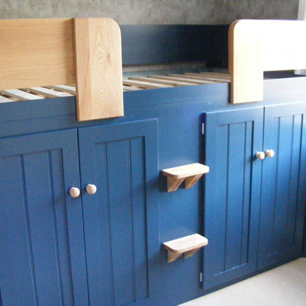 Kids Cabin Bed Royal Blue with Solid Oak Front Rail & Steps