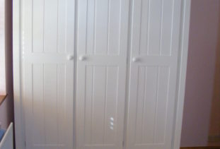 White girls wooden wardrobe with star detailing