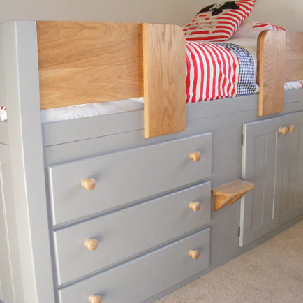 Manor House Grey 3 Drawer Cabin Bed with Solid Oak Front Rail and Steps