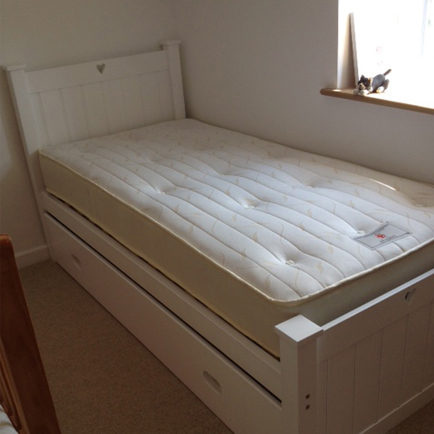 Single Bed White With Pull Out Truckle In White