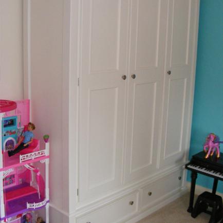 Triple Door Wardrobe With 2 Bottom Drawers