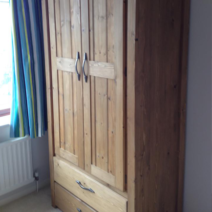 Traditional Finished 2 Door, 2 Drawer Wardrobe