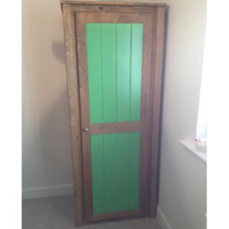 Single Wardrobe in Traditional and Vibrant Green