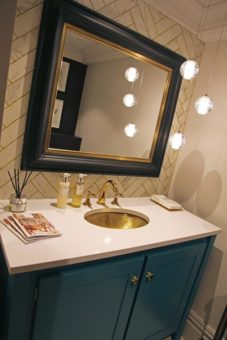Inchyra blue vanity unit with Angelo white top