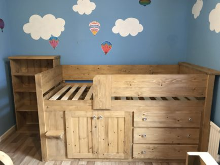 Traditionally Finished Cabin Bed