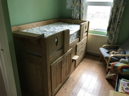 Traditional Cabin Bed