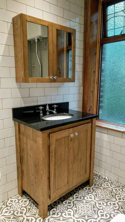 Solid Oak Vanity Unit With Splashback