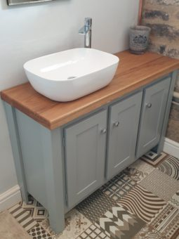 3 Door Manor House Grey Vanity Unit