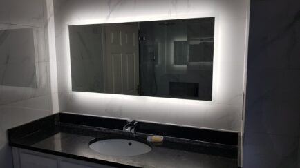 Double Vanity Unit in White with Splashbacks